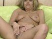 Haarige Teen Fotze rubbelt sich zum Orgasmus
