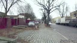 Geile blonde Deutsche auf der Strasse angequatscht